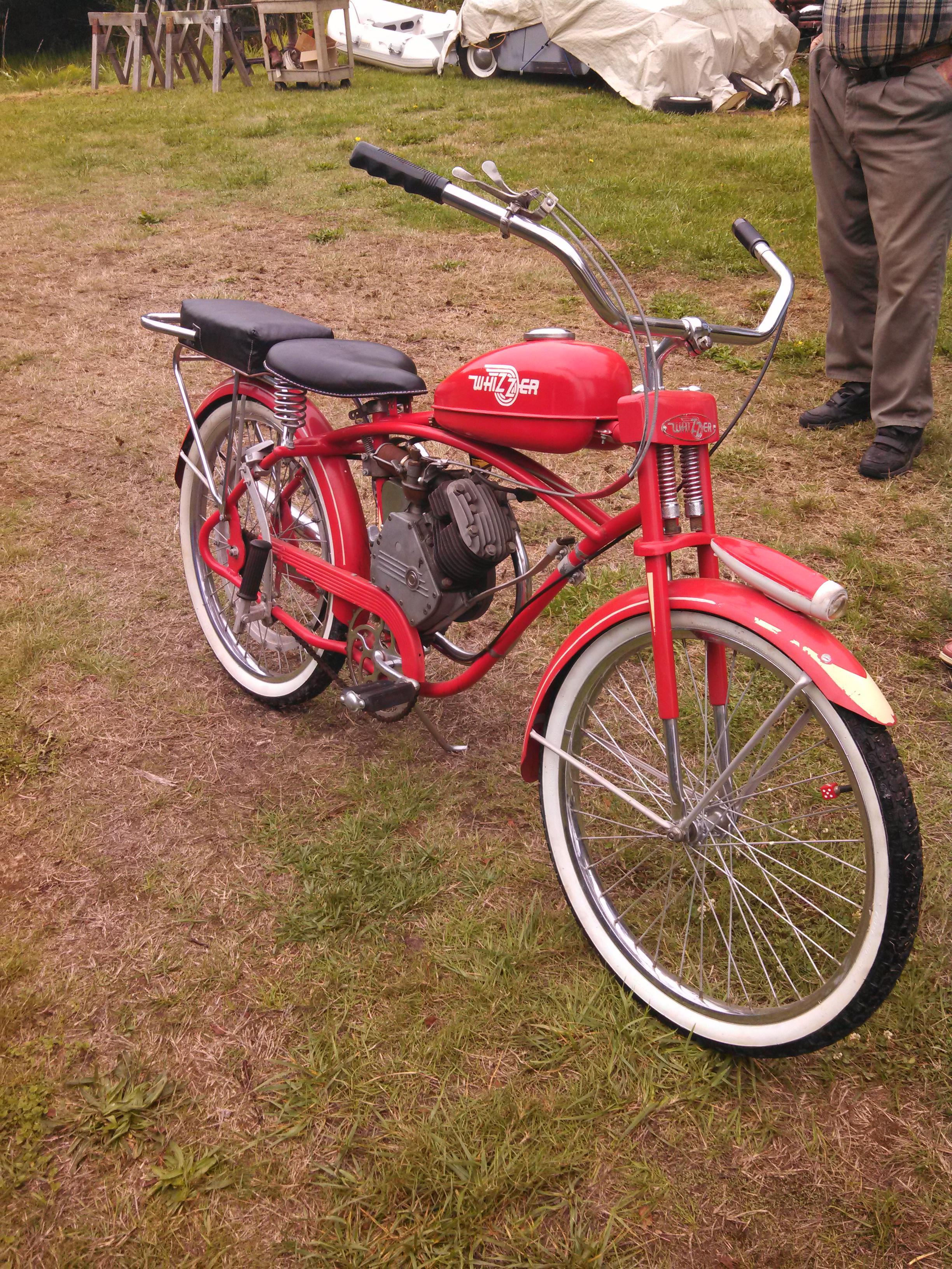 1949 Whizzer motorbike - WOW!